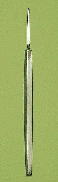 eye 2 - von Graefe knife